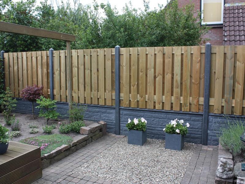 Schutting betonplaten loungeset 2017 for Schutting tuin